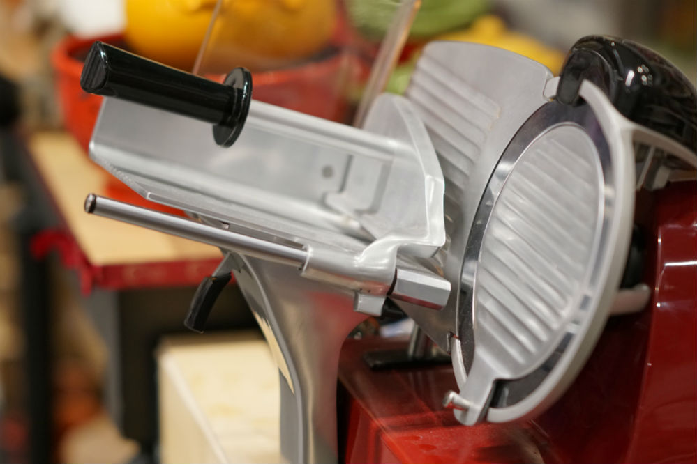 How to Sharpen a Meat Slicer Blade Properly?