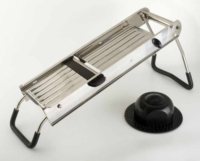 How to Use a Mandoline Slicer?